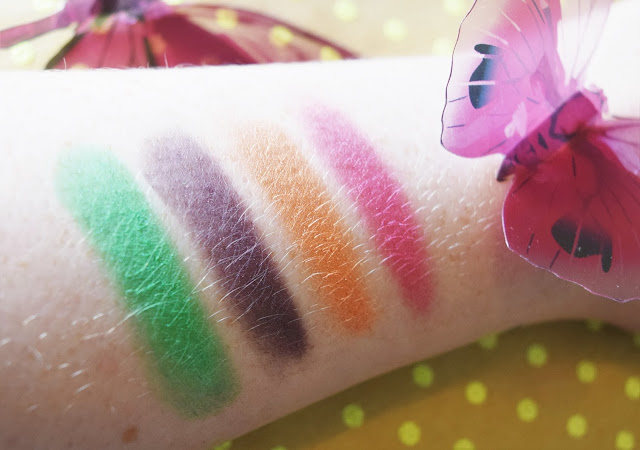 Urban Decay Alice Through The Looking Glass Eyeshadow Palette Mad Hatter Swatches