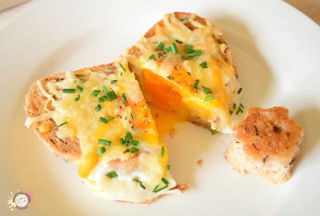 Pan con huevo y queso al horno saludable