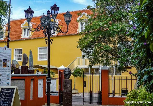 Entrada do Museu Kura Hulanda, em Willemstad, Curaçao