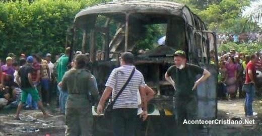 Bus quemado donde murieron 33 niños evangélicos