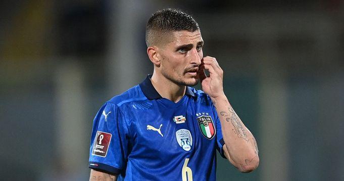 PSG midfielder Verratti leaves Italy national team with knee discomfort.