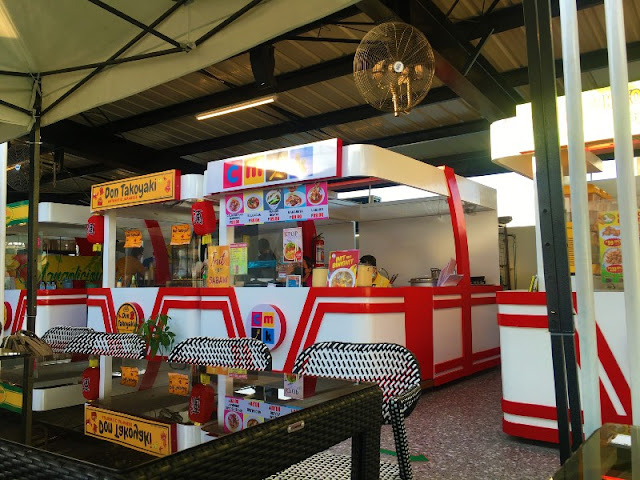 Roof Deck Food Court at Iconique Mall Colon