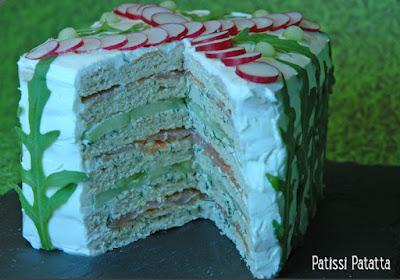 sandwich cake au saumon, gâteau au saumon, food design, comment faire un sandwich cake, beau et bon, saumon pour les fêtes, le plus beau des sandwich, saumon et pain suédois, gâteau salé, sandwich suédois, sandwich gâteau, patissi-patatta