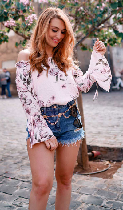 27 Adorable Fall Date Night Outfits Guaranteed to Impress. 27 Stylish Fall Outfits to Wear On Your Next Date, from Casual to Fancy. Fall Fashion via higiggle.com |floral top | #falloutfits #dateoutfits #datenight #floral