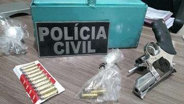 Polícia Civil prende suspeito por porte ilegal de arma de fogo em Assu