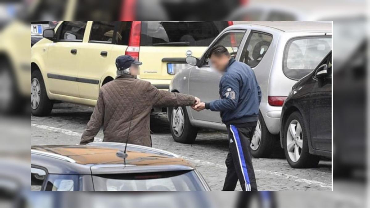 Parcheggiatore abusivo piazza Falcone