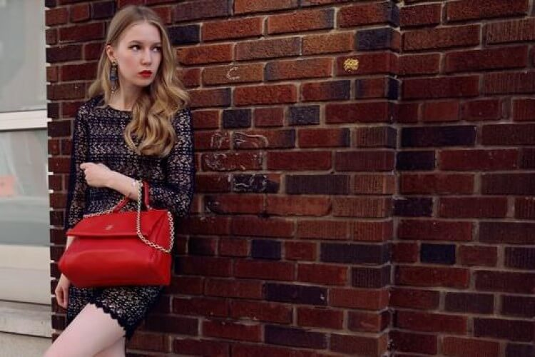 Glamorous coordination with early autumn street fashion