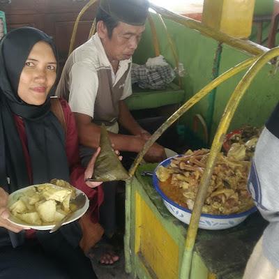 Kuliner Rembang - Lontong Tuyuhan Rembang