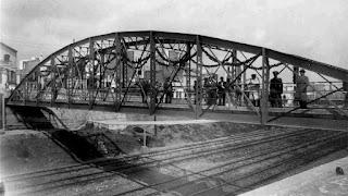 El puente del Metro el día de la inauguración