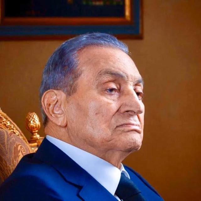 محمد الباز يكشف تفاصيل اللحظات الأخيرة في حياة مبارك.. ولماذا تأخر الإعلان عن خبر وفاته؟