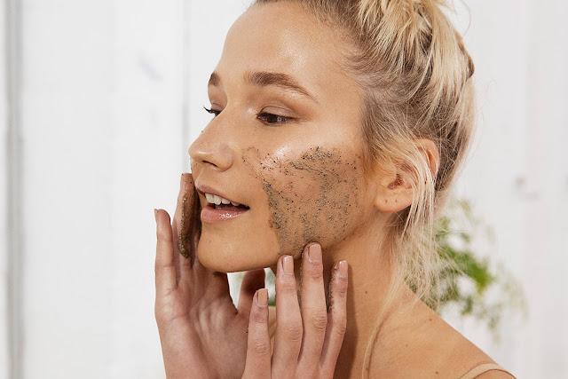Exfoliation hebdomadaire du visage
