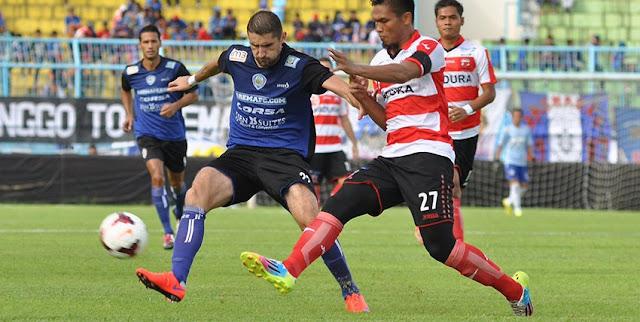 Arema vs Madura United
