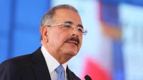 Presidente Medina afirma se supera meta con 606,019 nuevos empleos creados