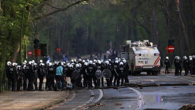 اعتقال 132 شخصا شاركوا في حفلة احتجاجا على قيود كورونا ببلجيكا