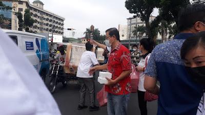 PSMTI Bagikan Takjil Berbuka Puasa di Medan