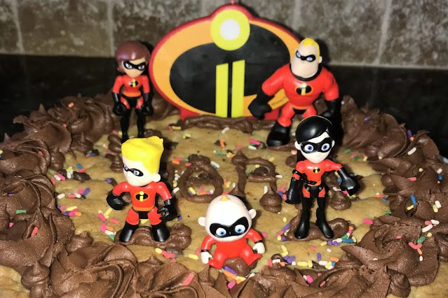 Incredibles 2 Cookie Cake