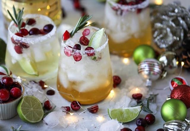 MISTLETOE MARGARITAS #drinks #alcohol