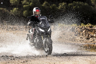 Honda X-ADV (2017) Riding
