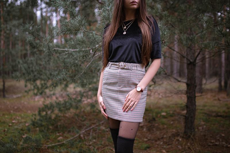 brązowa spódniczka w kratkę