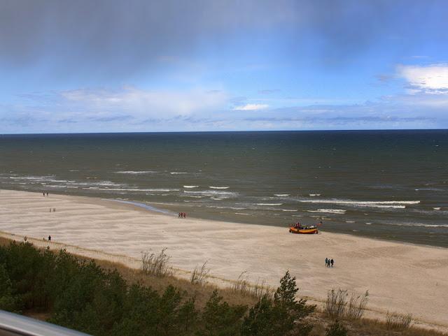 plaża Dębki, widok z wieży widokowej na okolicę