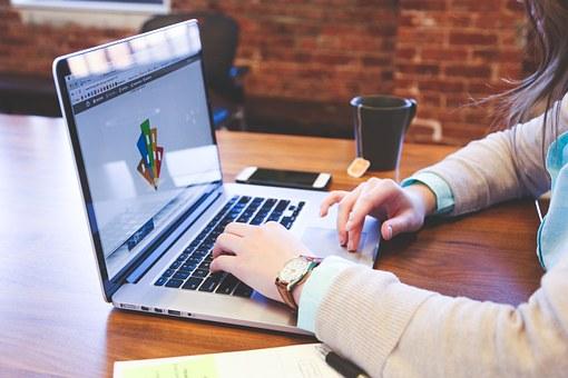 أربع طرق لعمل اختصار لموقع على سطح المكتب