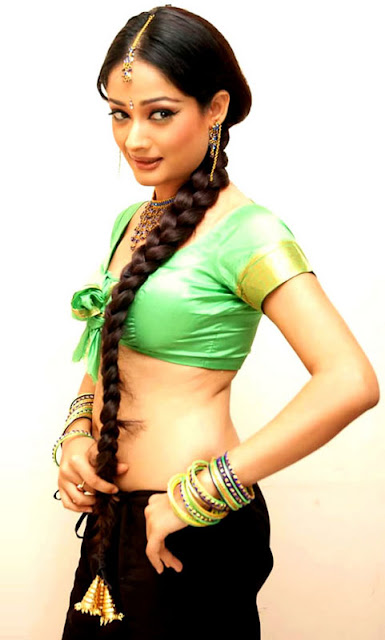 Tamil Actress Kiran Rathod Shows Off Her Sexy Navel and Cleavage In Green Jacket Navel Queens