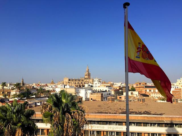 Sevilla, stolica flamenco i wielkich upałów.