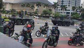 """Pengamat: TNI akan jadi Banyolan """"Tidak Pernah Perang, Bunuh Nyamuk dengan Meriam"""""""