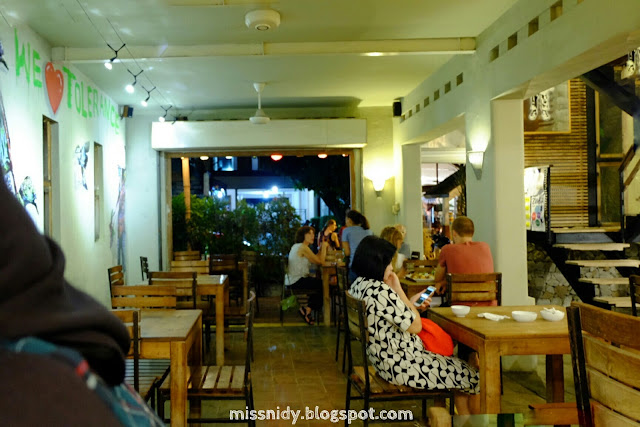 viavia cafe jogja review