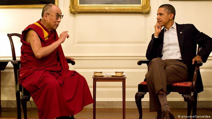Con 'malware' israelí Pegasus, India espió a cercanos al Dalai Lama, este se salvó, no usa celular