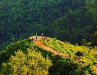 http://www.teluklove.com/2016/11/pesona-keindahan-wisata-bukit-langit-di.html