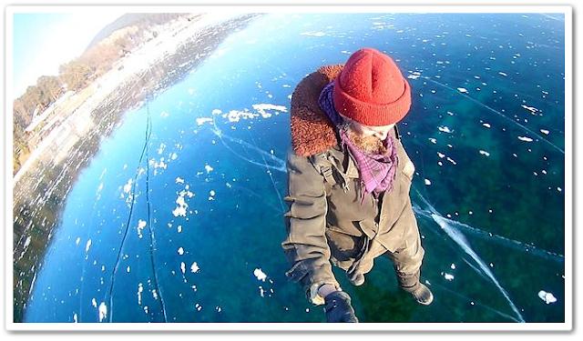 Berjalan di atas tasik beku yang paling dalam di dunia