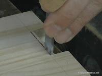 Cortar vertical hasta tres cuartos del hueco. http://www.enredandonogaraxe.com
