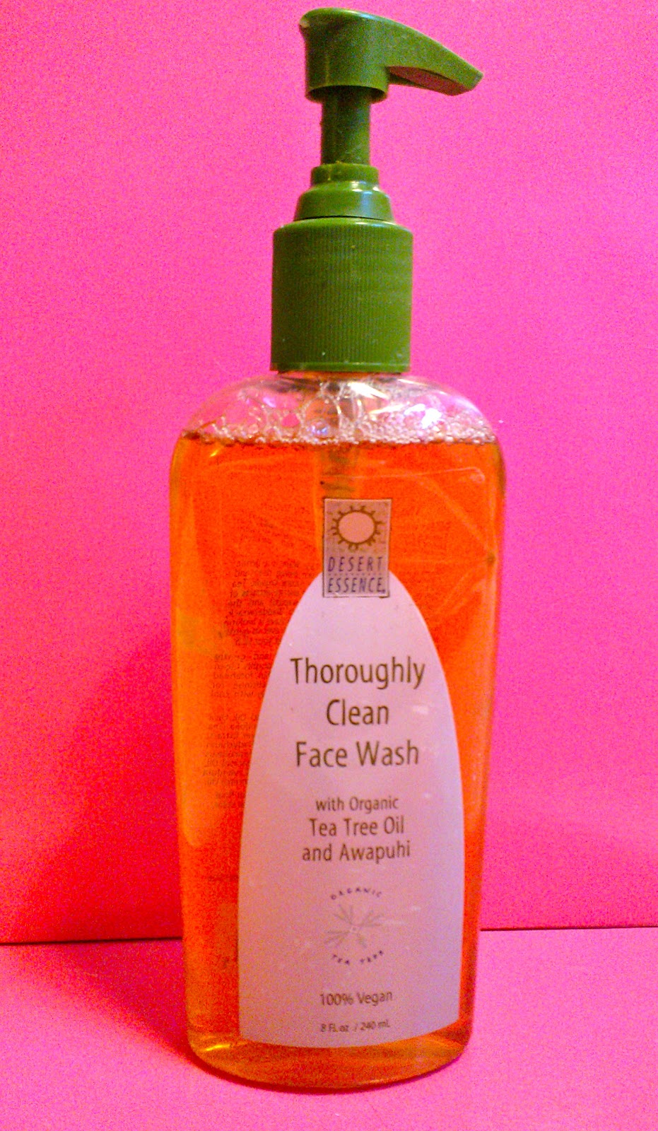 Review Desert Essence Thoroughly Clean Face Wash From