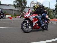 Para Pengendara Motor Honda Wajib #Cari_Aman