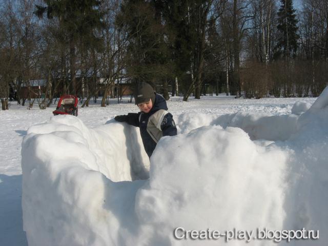 Как слепить снежную крепость