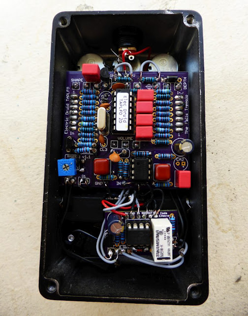 DIY tremolo with tap tempo circuit inside