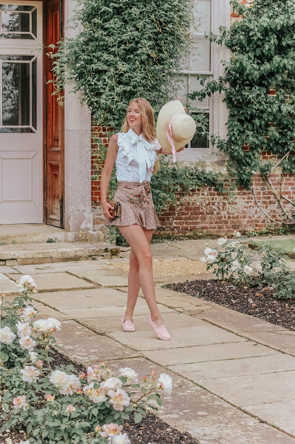 London Blogger Feminine Summer Styling