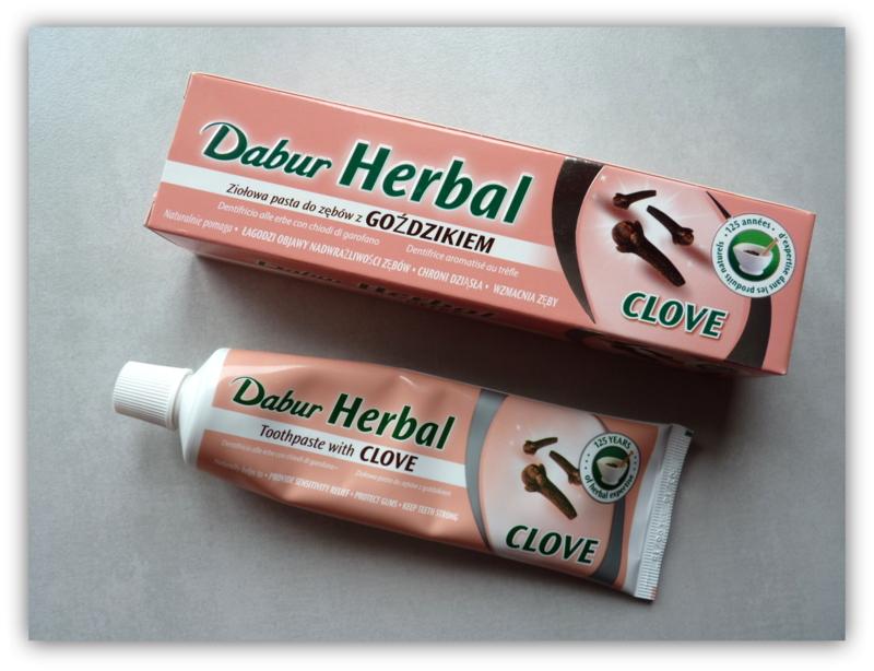 Dabur Herbal Clove - ajurwedyjska pasta bez fluoru, z wyciągiem z goździka do wrażliwych zębów i dziąseł