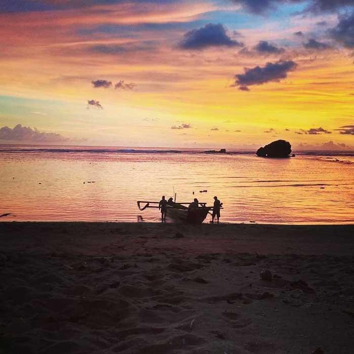 Fasilitas Wisata Pantai Kondang Merak