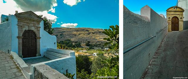Trilha para a Acrópole de Lindos, em Rodes, Grécia