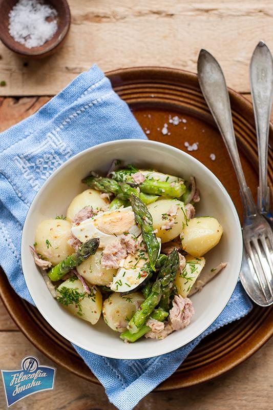 Sałatka z ziemniaków, jajka i szparagów
