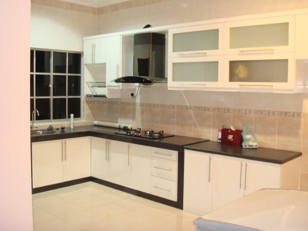 diari ke?: kitchen cabinet