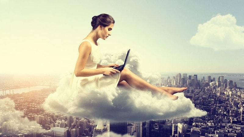 felhők között