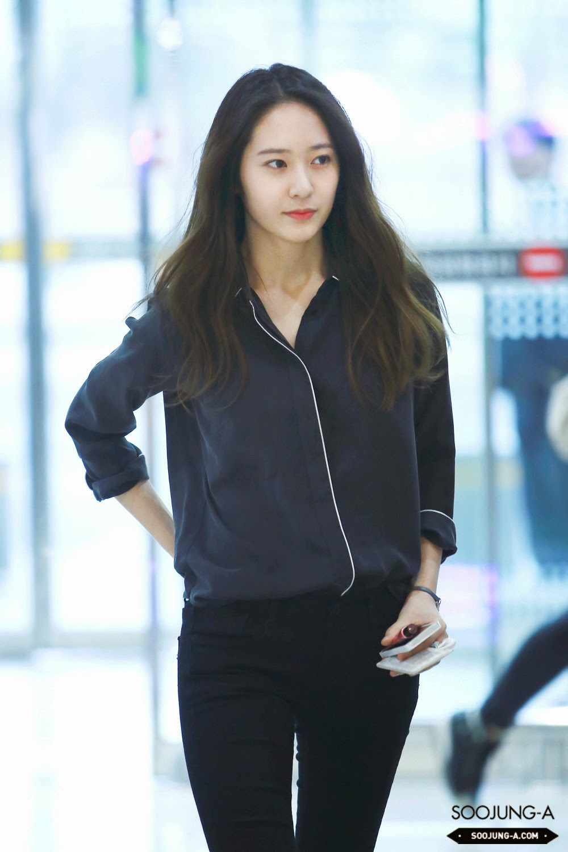 Airport Fashion: F(x) Krystal - Official Korean Fashion F(x) Krystal Selca
