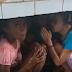 Crianças rezam e choram durante temporal que destelhou escola rural em RO