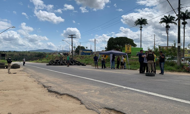 Polícia libera fluxo em rodovias de Nova Viçosa, Correntina e Brumado