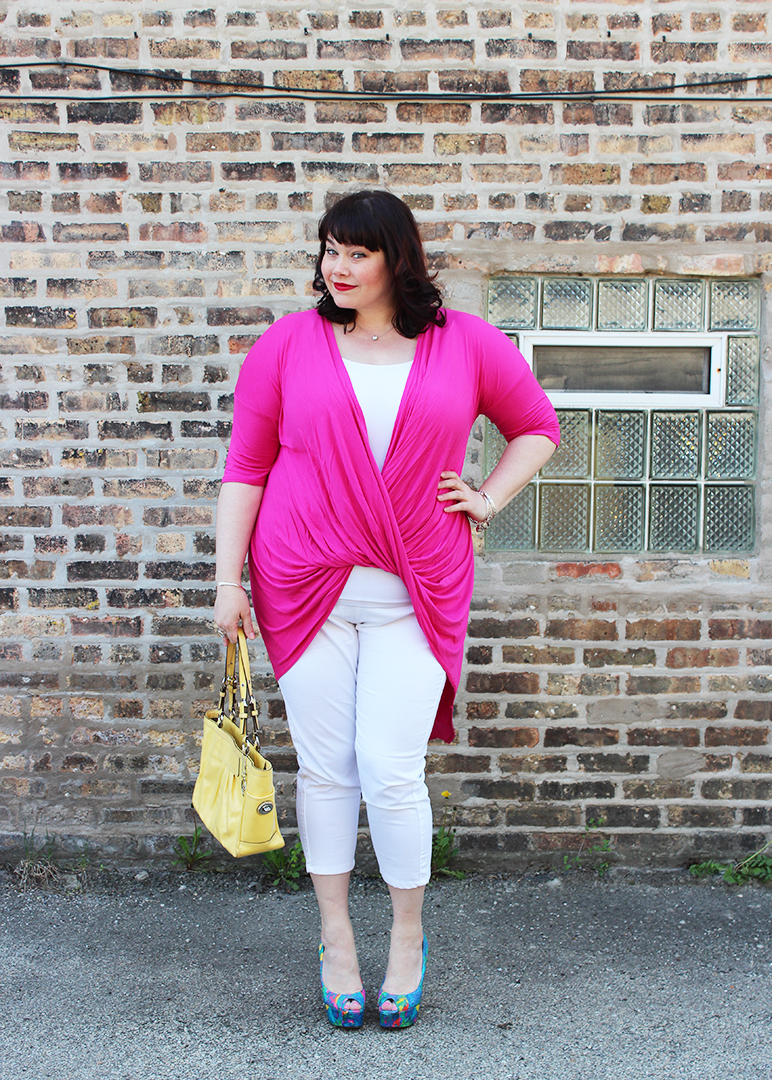 plus size blogger Amber from Style Plus Curves in a Yours Clothing UK outfit