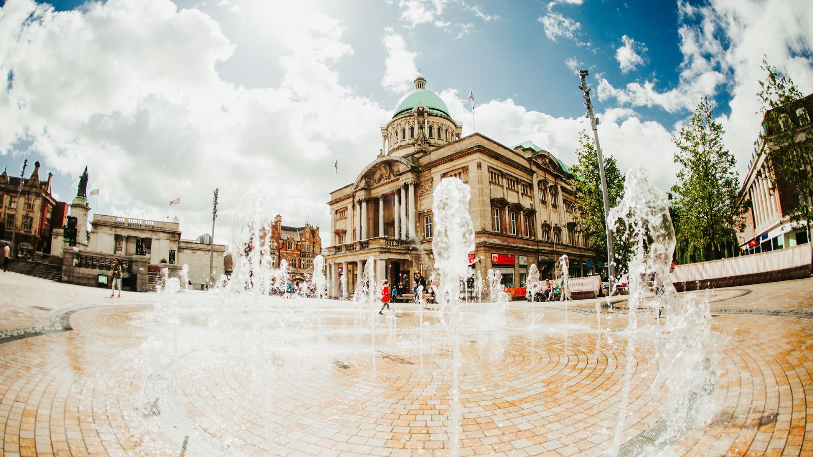 Hull Victoria Square Fountain