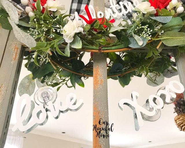 love Xoxo wreath decor suction cup
